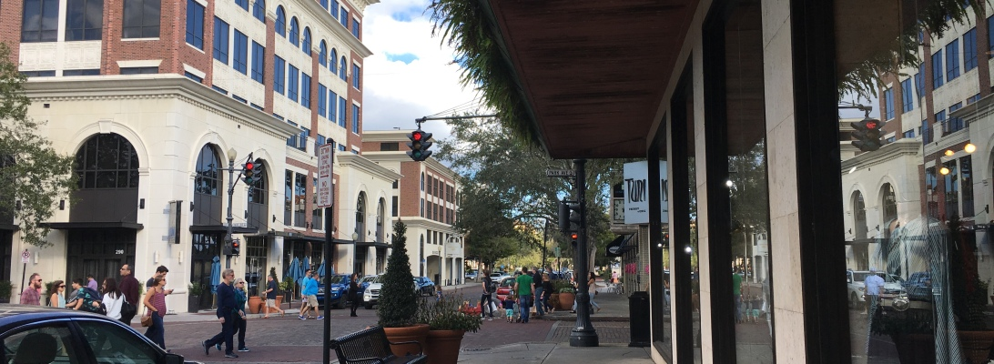 Street scene in Winter Park, Florida | Ross and Jamie Adventure